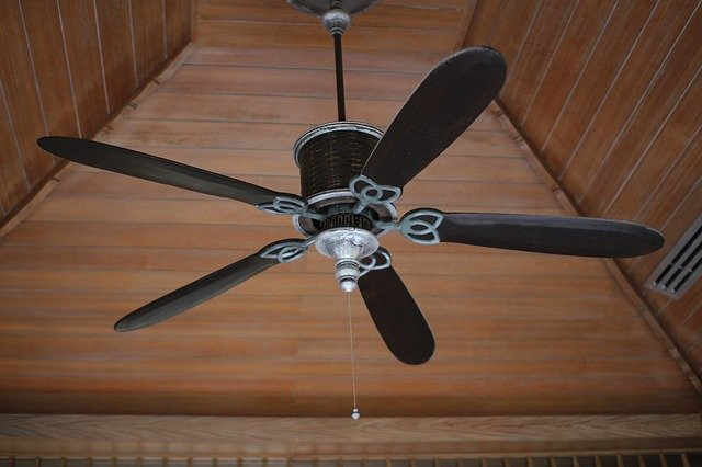 Ceiling Fan Light Comes On off