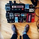 5 Best Guitar Volume Pedals [For Mini & Steel]